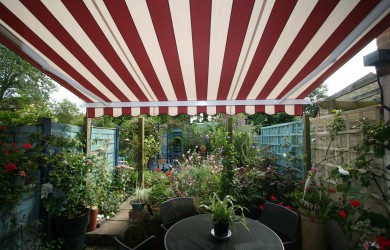 How to Pick the Perfect Awning for Your Business